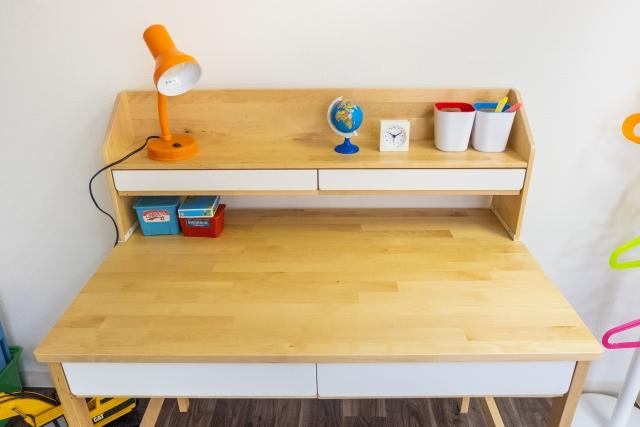 子供部屋の机